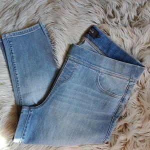 Torrid lean Jean crop sz 2